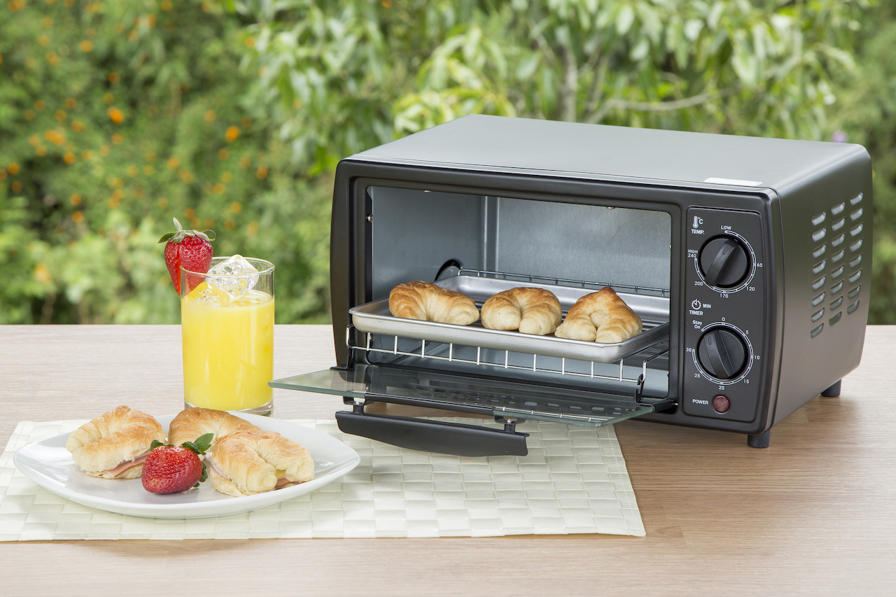 Toaster-oven-in-natural-environment