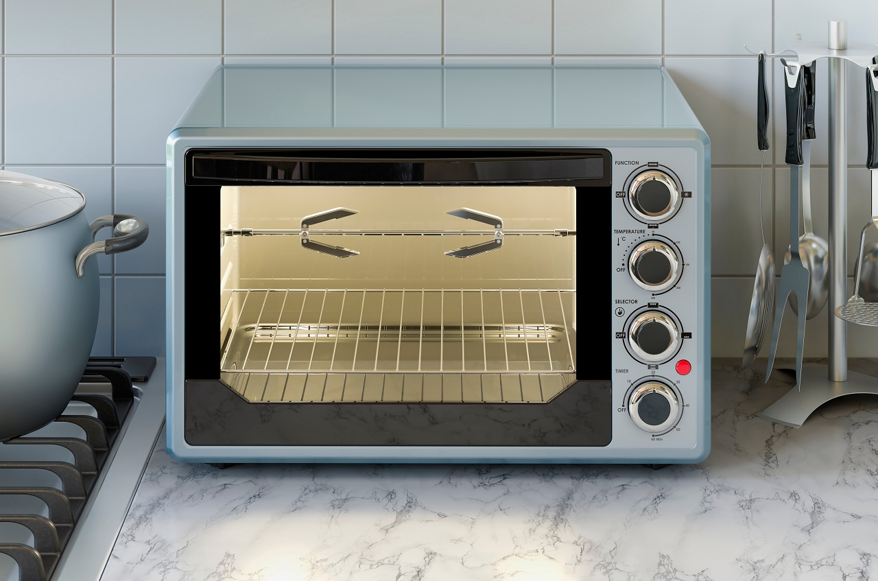 Convection-toaster-oven-on-the-kitchen-table