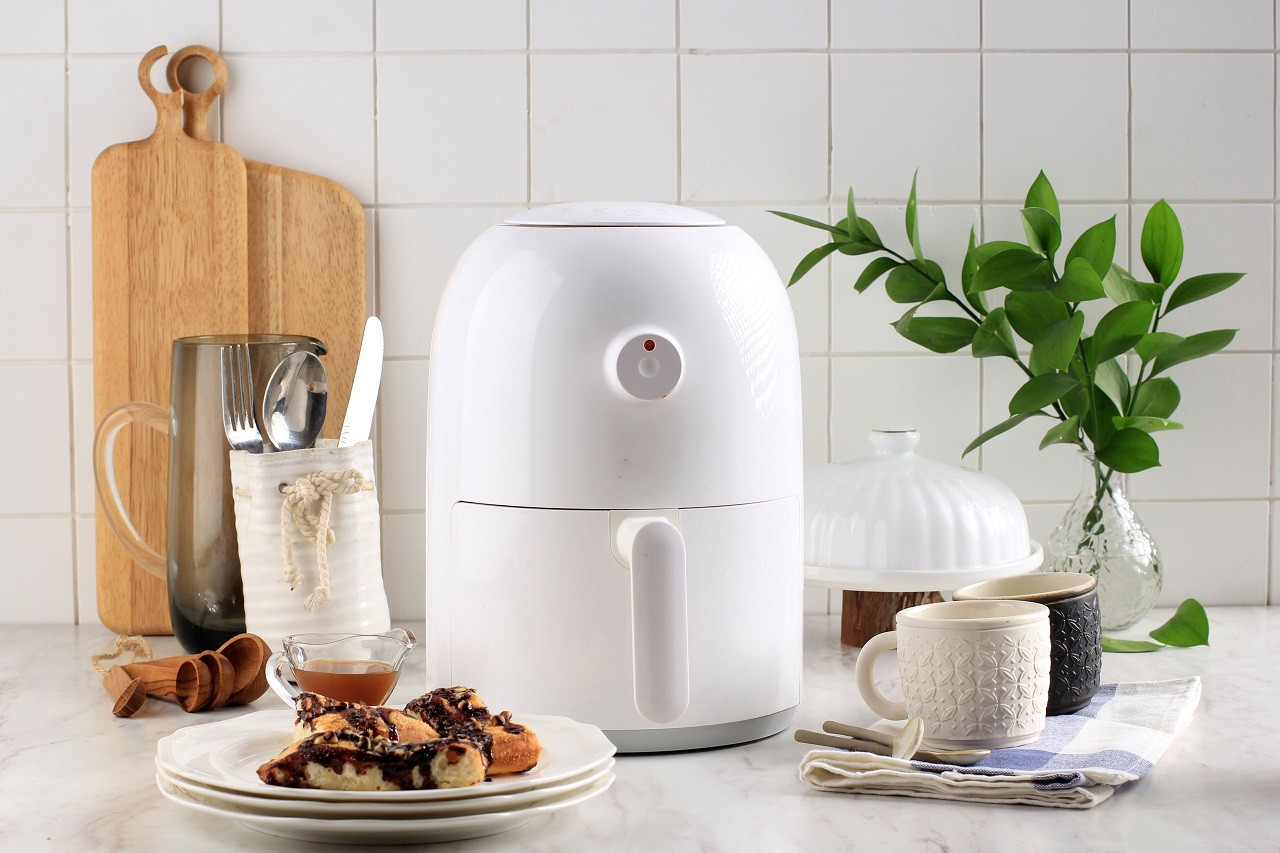 WHite-Air-Fryer-for-Healthy-Cooking-in-the-Kitchen