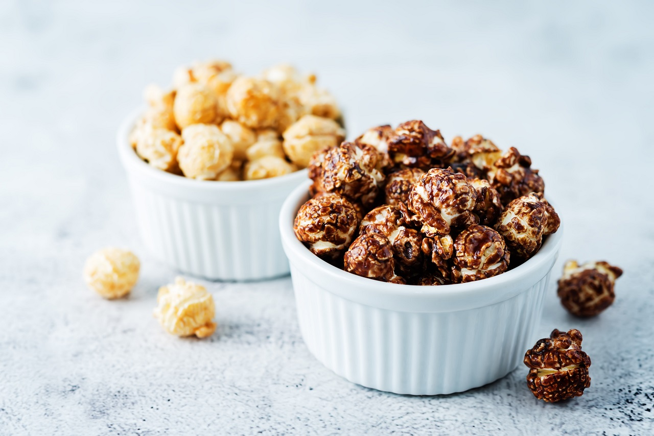 Caramel-and-chocolate-sweet-Popcorn-in-a-white-bowl