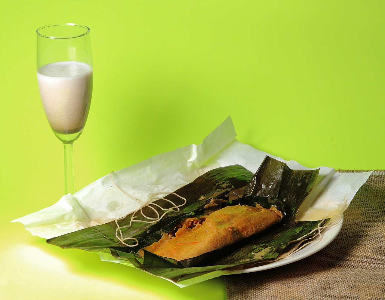 Puerto-Rican-pasteles-and-coconut-liquor-drink
