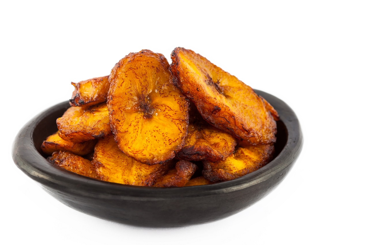 eep-fried-ripe-plantain-slices-isolated-in-white-background